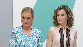 Cristina Cifuentes y doña Letizia en 2016 / Gtres