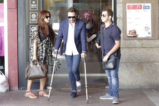 David Flores con su padre y Olga a su llegada a los juzgados para el juicio por su custodia