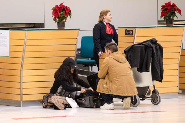 Salma Hayek en el aeropuerto de Almería el pasado viernes 14