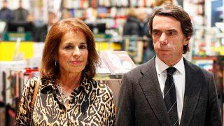 Ana Botella y José María Aznar, en una imagen de esta Navidad / Gtres