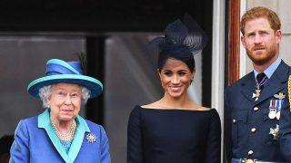 La reina Isabel II, Meghan Markle y el príncipe Harry, en una imagen de archivo / Gtres