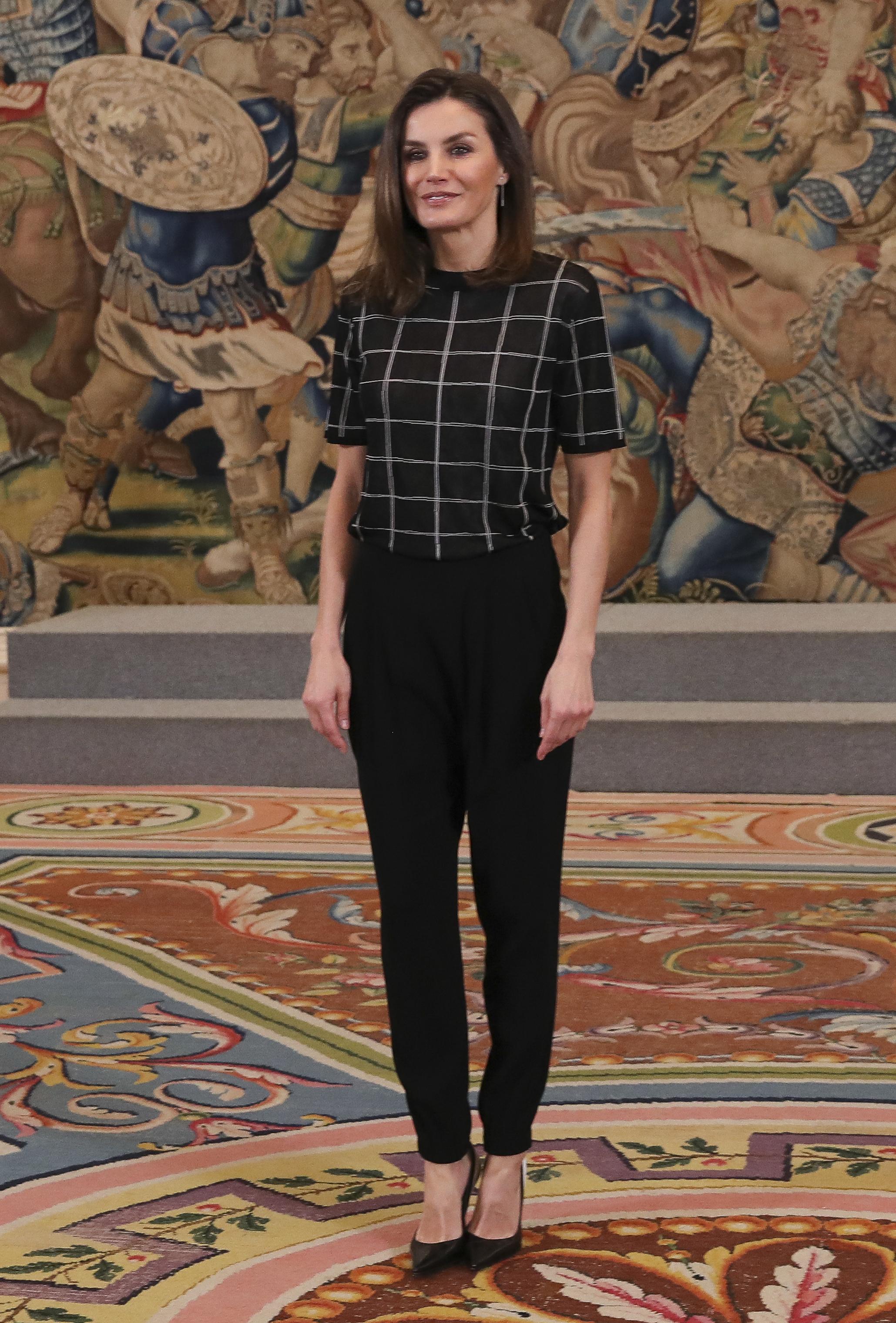 La reina Letizia en la recepción en honor al Club de Balonmano La Calzada Mavi de Gijón / Gtresonline