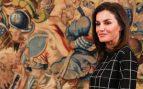 Letizia Ortiz con top de cuadros en la Zarzuela