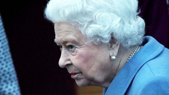 Reina británica pide