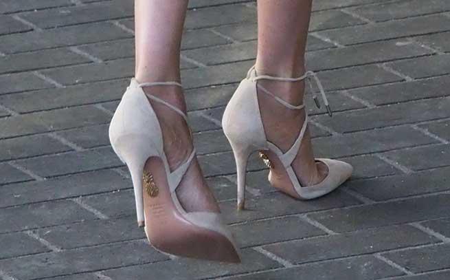 meghan markle zapatos aquazzura