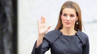 GALERÍA | La reina Letizia ha dejado de lucir unas pulseras que le regaló Doña Sofía ¿Las recuerdas?