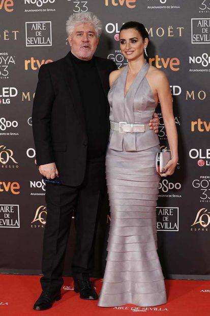 Penélope Cruz ha acudido con Pedro Almodóvar a la 33 edición de los Premios Goya
