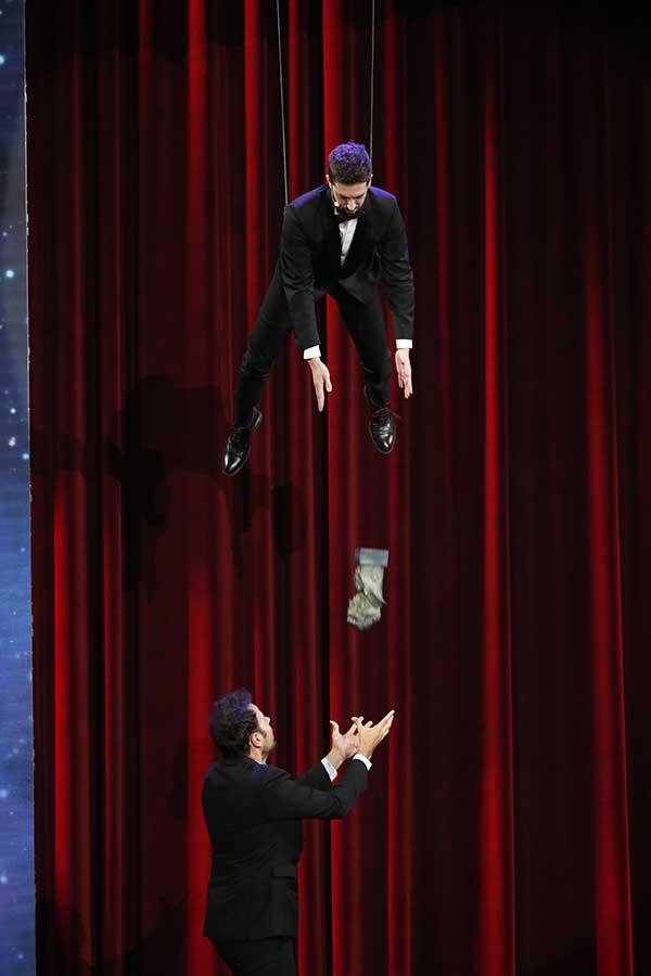 David Broncano lanzando el Goya