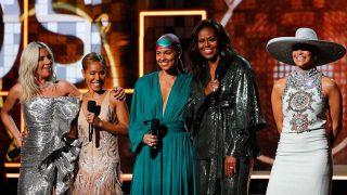 Lady Gaga, Jada Pinkett, Alicia Keys, Michelle Obama y Jennifer López, durante los Premios Grammy 2019 / Gtres