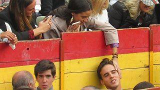 Victoria Federica y Gonzalo Caballero derrocharon complicidad en la plaza de toros de Chinchón / Gtres
