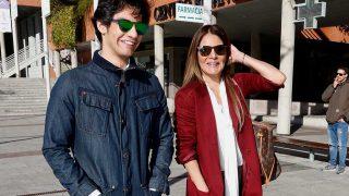 Ivonne Reyes y su hijo, Alejandro Reyes, saliendo de los juzgados de Alcobendas / Gtres