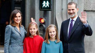 Los reyes Felipe y Letizia junto a sus hijas / Gtres