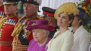 Doña Letizia y la reina Isabel / Gtres