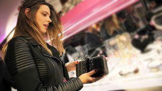 GALERÍA: Los bolsos de firma son una de las grandes pasiones de Laura Matamoros. / Gtres