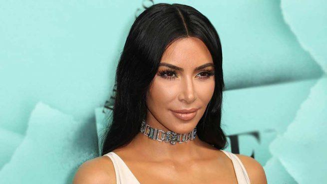 Kim Kardashian más salvaje (y feminista) que nunca sin necesidad de escote