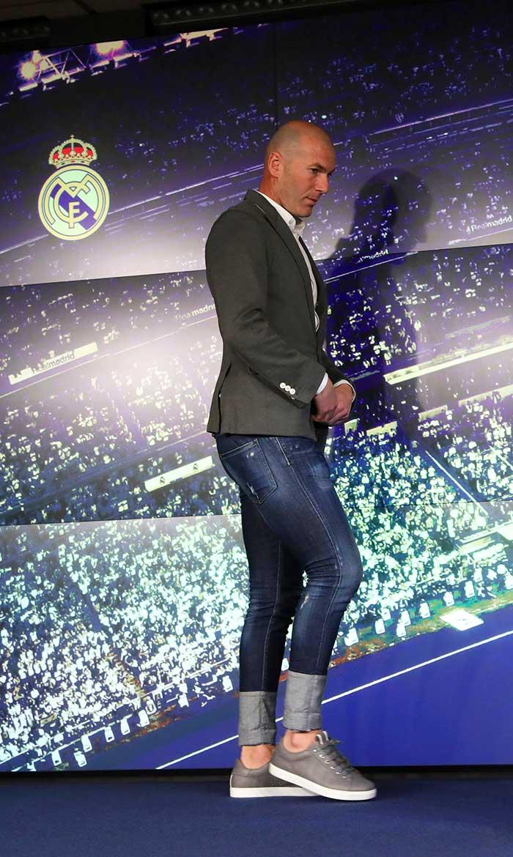 Zidane en su presentación como técnico del Real Madrid / Gtres