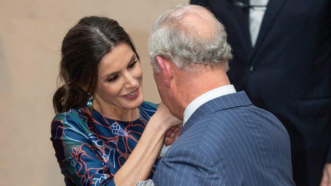 La reina Letizia y el príncipe Carlos