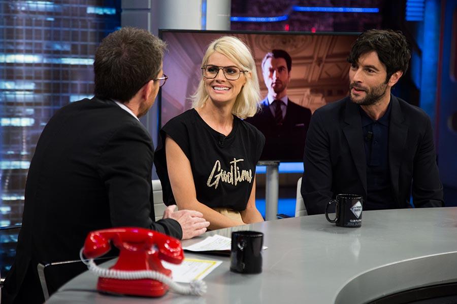 Pablo Motos durante su entrevista a Amaia Salamanca y Javier Rey