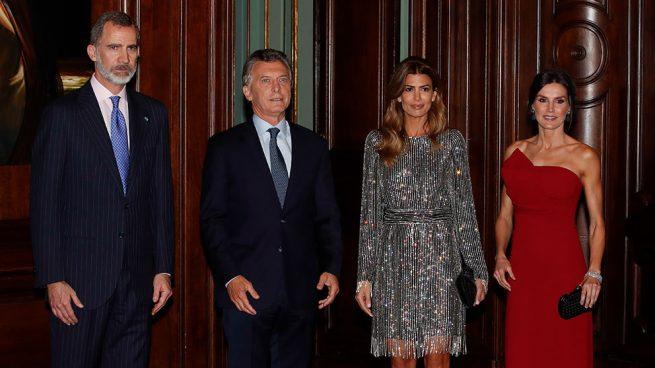 Letizia saca la artillería pesada y viste moda 'argentina' en su despedida de Buenos Aires