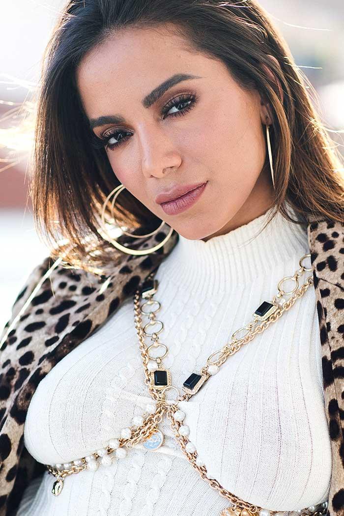 Look cantante Anitta en España