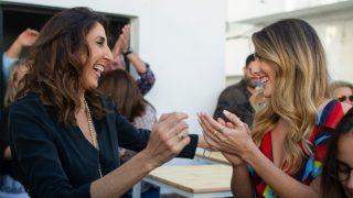 Paz Padilla y Anna Ferrer,  en la inauguración de 'No ni na' / Gtres.