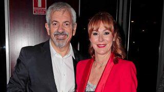 Carlos Sobera junto a su mujer Patricia Santamaría / Gtres
