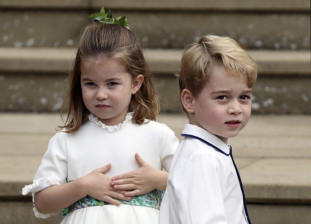 Los príncipes George y Charlotte