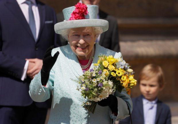 El príncipe Harry acude a la Misa de Pascua de Windsor: el niño no ha nacido