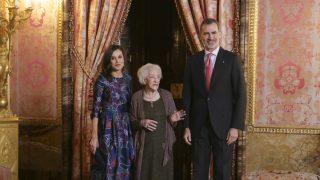 Los Reyes con Ida Vitale en el Palacio Real / Gtres