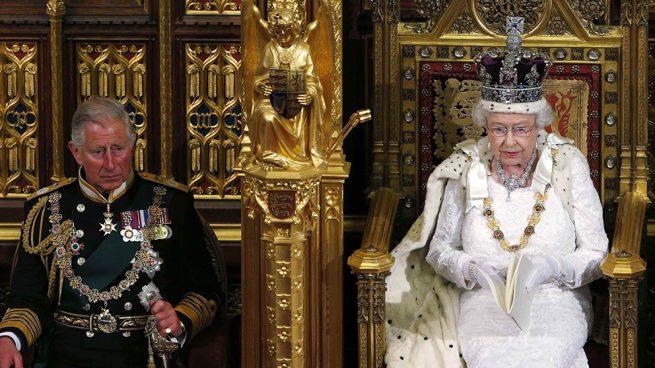 Carlos tendrá que esperar: la reina Isabel no piensa en abdicar