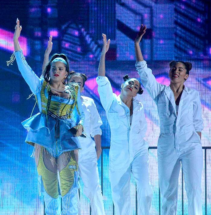 Look Rosalía premios Billboard latinos