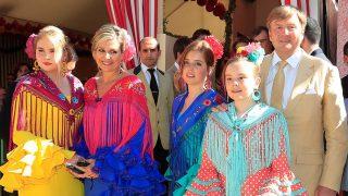 Los reyes de Holanda vuelven a la Feria de Abril en compañía de sus hijas / Gtres