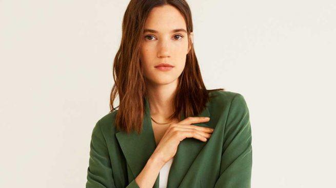 mango traje verde monocolor