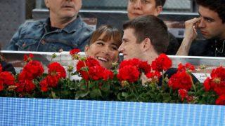 Aitana y Miguel Bernardeau, en el tenis paseando su amor / Gtres.