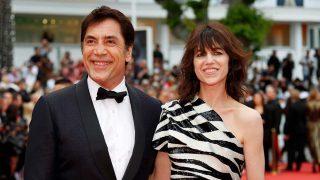 Javier Bardem cambia a Penélope Cruz por Charlotte Gainsbourg en la apertura de Cannes / Gtres