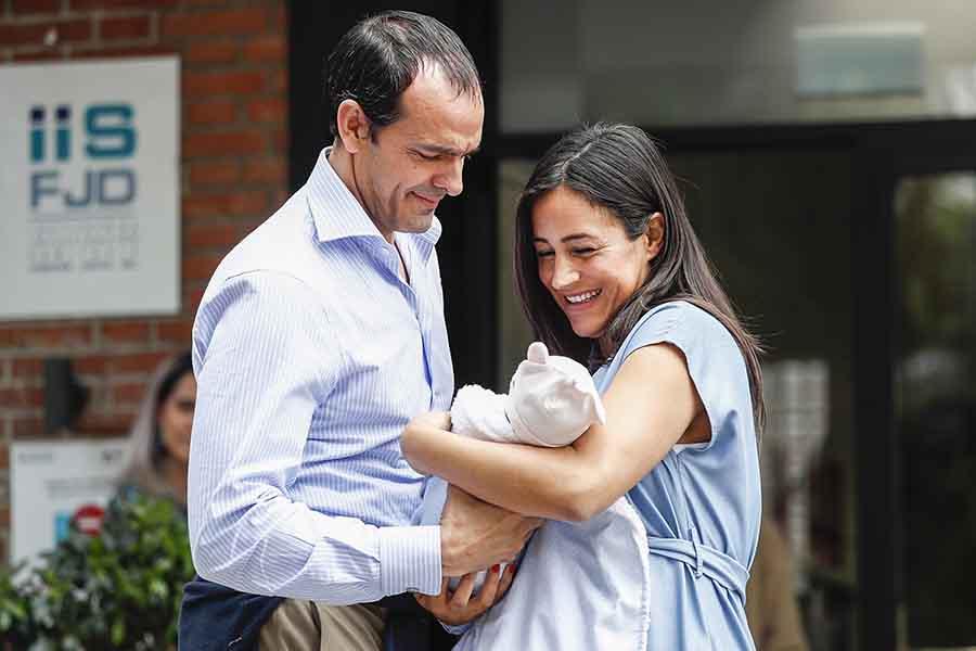 Begoña Villacís ya ha abandonado el hospital tras ser mamá de la pequeña Inés