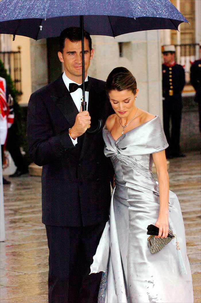 Vestido gris de boda doña Letizia
