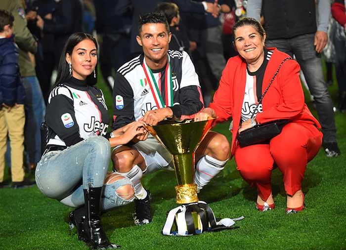 Georgina Rodríguez, Cristiano Ronaldo y Dolores Aveiro,