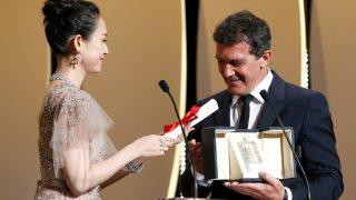 Antonio Banderas recibe el premio a mejor actor / Gtres.