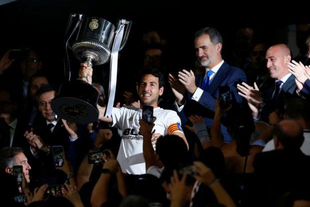 El rey Felipe VI entrega la Copa del Rey 2019