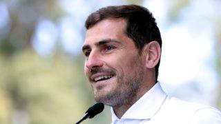Iker Casillas, a su salida del hospital / Gtres.