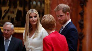 El príncipe Harry e Ivanka Trump en el palacio de Buckingham / Gtres