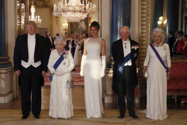 Duelo en blanco: Kate Middleton eclipsa a Melania Trump con su look con mensaje