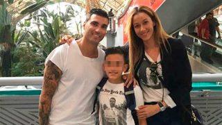 José Antonio Reyes, su expareja y su primer hijo / Instagram: @annacanddypilot