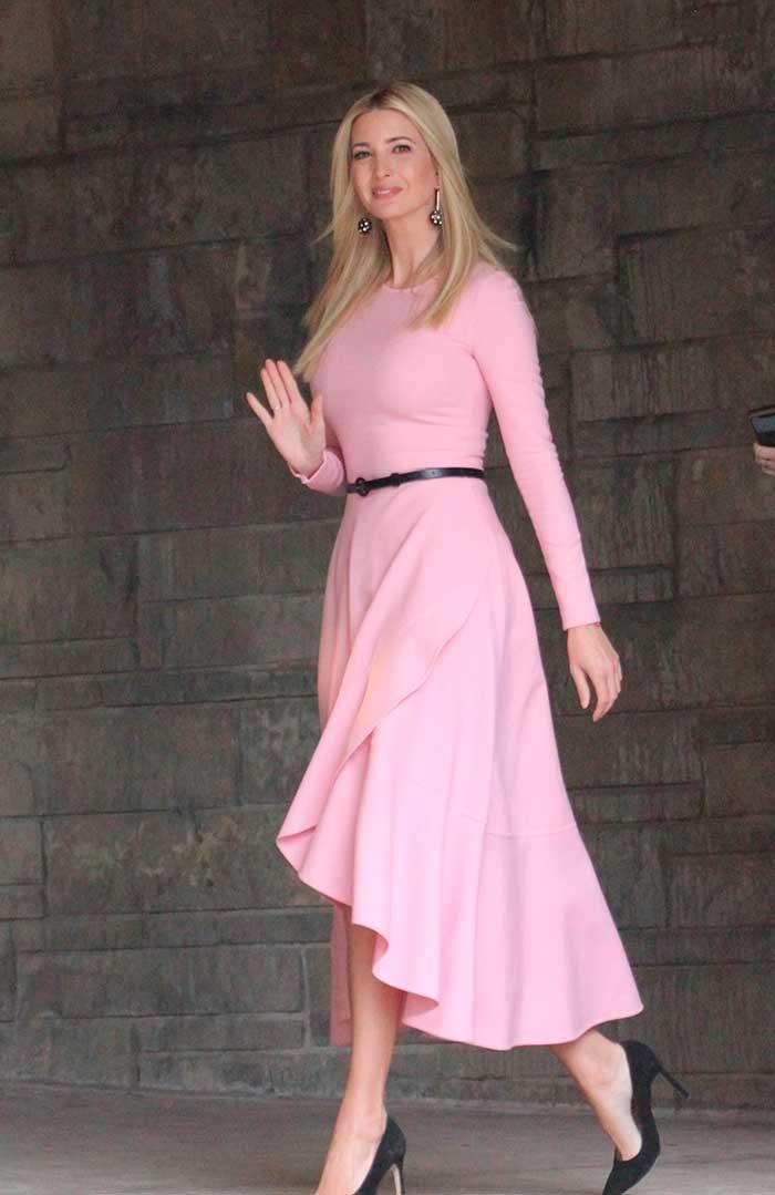Ivanka Trump con vestido rosa de Oscar de la Renta en Washington