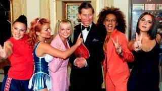 Las Spice Girls junto al príncipe Carlos / Gtres