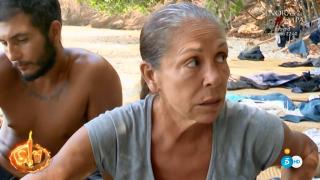 Isabel Pantoja le ha reprochado a Mónica el reparto de la comida./Mediaset