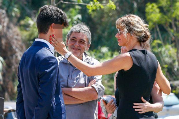 Susanna Griso, arropada por sus familiares en el funeral de su hermana