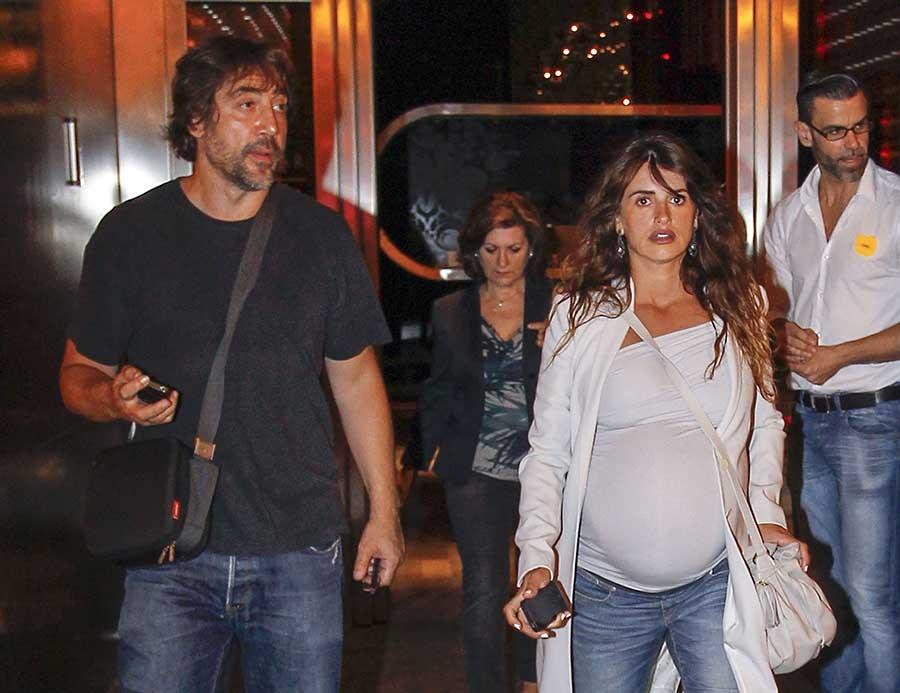 Penélope Cruz, embarazada, junto a Javier Bardem en una imagen de archivo / GTRES