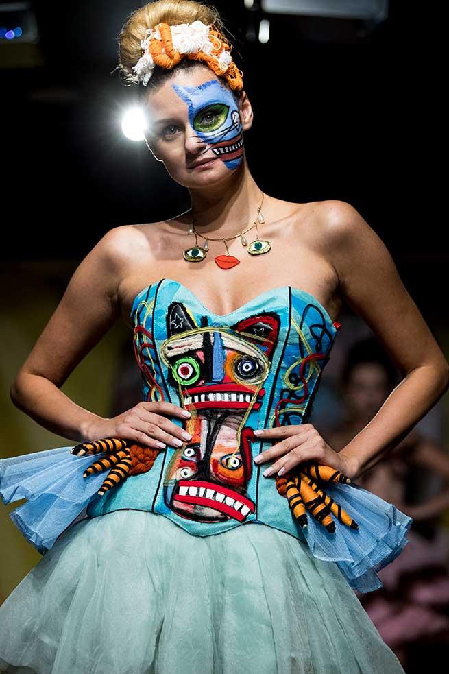 desfile maya hansen